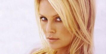 Charlize Theron jouera dans Hoover, le biopic réalisé par Clint Eastwood