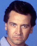 Mark Lindsay Chapman