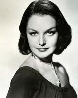 Lillian Bond