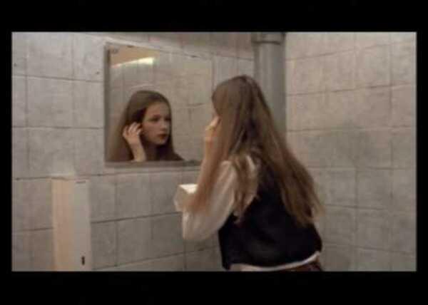 voir le film moi christiane f. 13 ans droguée prostituée
