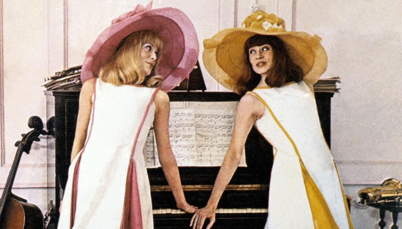les demoiselles de rochefort un film de 1967 vodkaster. Black Bedroom Furniture Sets. Home Design Ideas