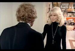 bande annonce de Le Grand Blond avec une chaussure noire