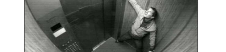 """En attendant """"à gauche en sortant de l'ascenseur"""""""